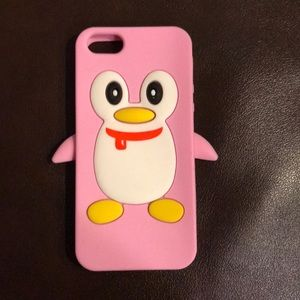 Accessories - Pink penguin iPhone 5s case